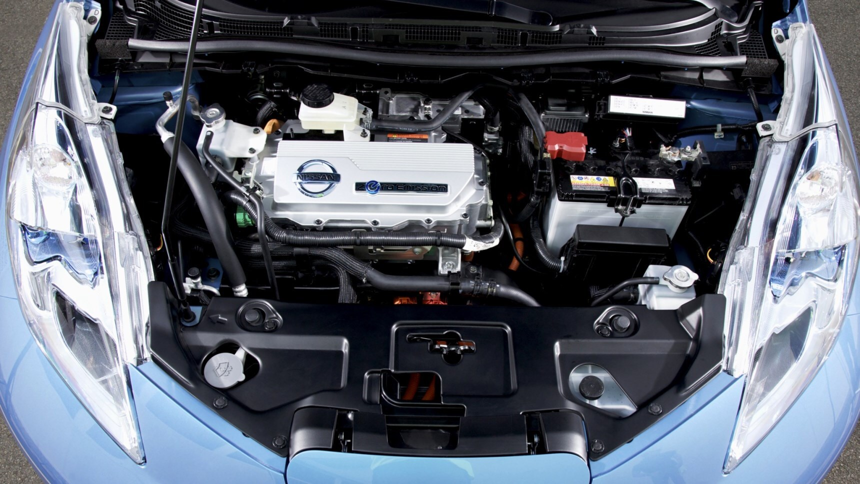Ученые научились заряжать электромобили на ходу