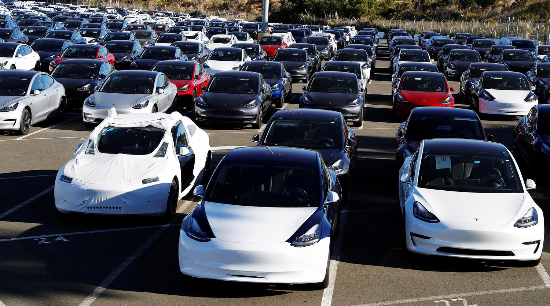 Tesla решила возобновить работу предприятия в Калифорнии